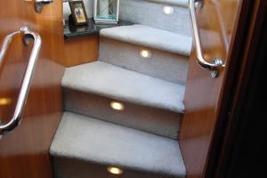 53' Carver 530 Voyager Pilothouse 2001 2001 Carver 530 Voyager Steps To Staterooms