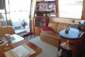 53' Carver 530 Voyager Pilothouse 2001 2001 Carver 530 Voyager Salon Facing Aft