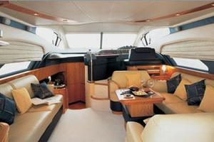 50' Azimut 50 2005 Manufacturer Provided Image: Saloon