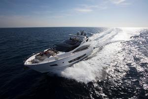 86' Sunseeker 86 Yacht 2014 Manufacturer Provided Image: Sunseeker 86 Yacht Running Shot
