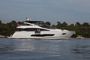 86' Sunseeker 86 Yacht 2014 Manufacturer Provided Image: Sunseeker 86 Yacht Side Profile