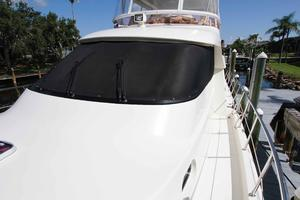 55' Hampton 558 Pilothouse 2006 Hampton 558 Pilothouse Windshield