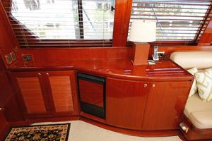 55' Hampton 558 Pilothouse 2006 Hampton 558 Pilothouse Ice Maker Storage