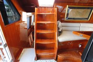 55' Hampton 558 Pilothouse 2006 Hampton 558 Pilothouse Access to Upper Deck
