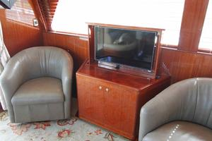 55' Hampton 558 Pilothouse 2006 Hampton 558 Pilothouse Pop Up TV