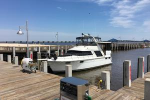 42' Carver 42 Enclosed Aft Cabin 1987