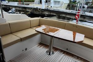 59' Sea Ray L590 Fly 2016