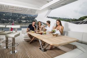 95' Sunseeker 95 Yacht 2019 Manufacturer Provided Image: Sunseeker 95 Yacht Cockpit
