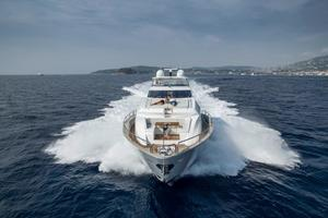 95' Sunseeker 95 Yacht 2019 Manufacturer Provided Image: Sunseeker 95 Yacht Bow
