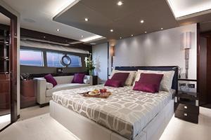 95' Sunseeker 95 Yacht 2019 Manufacturer Provided Image: Sunseeker 95 Yacht Cabin