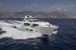 95' Sunseeker 95 Yacht 2019 Manufacturer Provided Image: Sunseeker 95 Yacht
