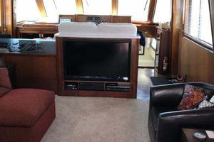 58' Hatteras Flybridge 1987 Salon Fwd