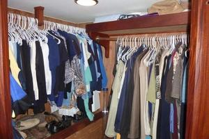 Hatteras-Flybridge-1987-The-Bottom-Line-Southwest-Harbor-Maine-United-States-Master-Closet-914630