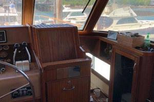 Hatteras-Flybridge-1987-The-Bottom-Line-Southwest-Harbor-Maine-United-States-Pilothouse-Stbd-914684