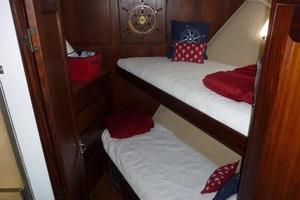 photo of Hatteras-Flybridge-1987-The-Bottom-Line-Southwest-Harbor-Maine-United-States-Guest-Stateroom-914631