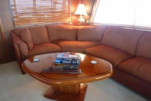 58' Hatteras Flybridge 1987 Salon Settee