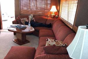 58' Hatteras Flybridge 1987 Port Salon