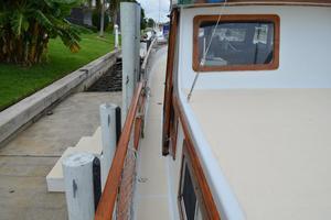 44' Marine Trader Tri Cabin 1978 Marine Trader 44 Classic Trawler Port Sidedeck