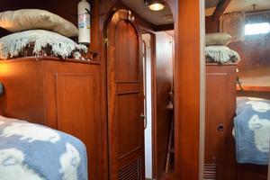 44' Marine Trader Tri Cabin 1978 Marine Trader 44 Classic Trawler FWD Stateroom Looking Aft