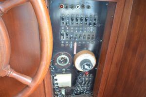 44' Marine Trader Tri Cabin 1978 Marine Trader 44 Classic Trawler Breaker Panel