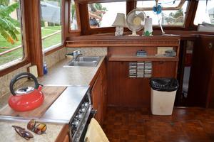 44' Marine Trader Tri Cabin 1978 Marine Trader 44 Classic Trawler Galley