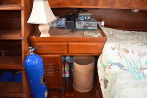 44' Marine Trader Tri Cabin 1978 Marine Trader 44 Classic Trawler Master Desk