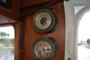 44' Marine Trader Tri Cabin 1978 Marine Trader 44 Classic Trawler Chelsea Barometer and Clock