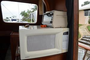 44' Marine Trader Tri Cabin 1978 Marine Trader 44 Classic Trawler GoldStar Microwave