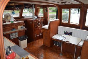 44' Marine Trader Tri Cabin 1978 Marine Trader 44 Classic Trawler Island Roamer Salon