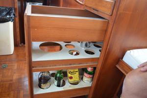 44' Marine Trader Tri Cabin 1978 Marine Trader 44 Classic Trawler Bar