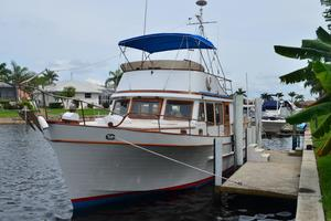 44' Marine Trader Tri Cabin 1978 Marine Trader 44 Classic Trawler Island Roamer at Her Dock