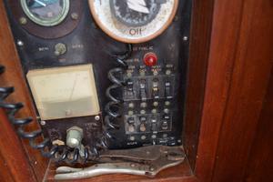 44' Marine Trader Tri Cabin 1978 Marine Trader 44 Classic Trawler Breaker panel 110VAC Section