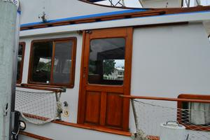 44' Marine Trader Tri Cabin 1978 Marine Trader 44 Classic Trawler Island Roamer Side Etrance