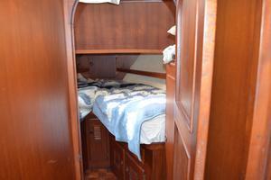 44' Marine Trader Tri Cabin 1978 Marine Trader 44 Classic Trawler FWD Stateroom