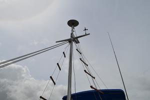 44' Marine Trader Tri Cabin 1978 Marine Trader 44 Classic Trawler Mast with Rat Lines