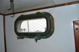 44' Marine Trader Tri Cabin 1978 Marine Trader 44 Classic Trawler Bronze Portlights Throughout Vessel