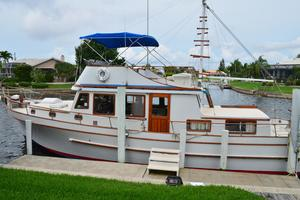 44' Marine Trader Tri Cabin 1978 Marine Trader 44 Classic Trawler Island Roamer Profile