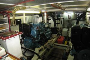 photo of DeFever-Trawler-2003-SKINNY-DIPPER-Stuart-Florida-United-States-Engine-Room-762915