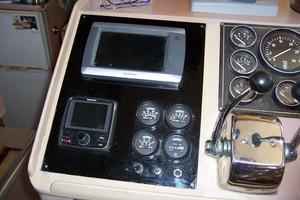48' Chb Seamaster Sundeck 1989 48ChungHwaLowerElectronics