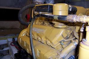 48' Chung Hwa Seamaster Sundeck 1989 48 Chung Hwa STBD Engine