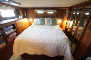 53' Hatteras 53 Motor Yacht 1973 Master Stateroom