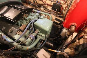 53' Hatteras 53 Motor Yacht 1973 Starboard Engine Room