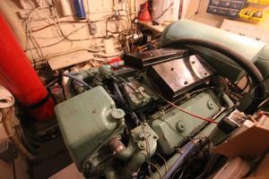 53' Hatteras 53 Motor Yacht 1973 Port Engine Room
