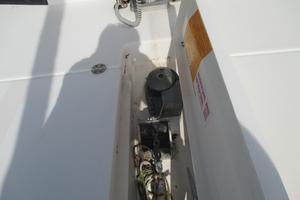 38' Leopard 38 2010 Anchor windlass