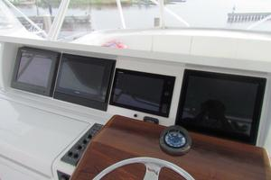 68' Hatteras Convertible 2005 Flybridge Console Electronics
