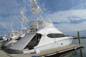 68' Hatteras Convertible 2005 Profile Starboard Forward