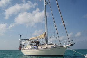 Island Packet 40' Cruising Cutter 1998 Voyageur