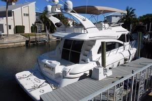 50' Cruisers Yachts 5000 Sedan Sport 2001 2001 Cruisers 50 Aft Deck and Entry to Salon