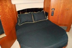 50' Cruisers Yachts 5000 Sedan Sport 2001 2001 Cruisers 50 Master Stateroom