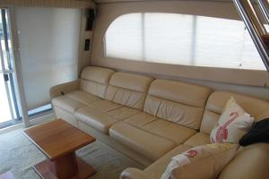 50' Cruisers Yachts 5000 Sedan Sport 2001 2001 Cruisers 50 Salon Sofa